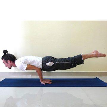 photogallery foto di posizioni asana yoga di michele