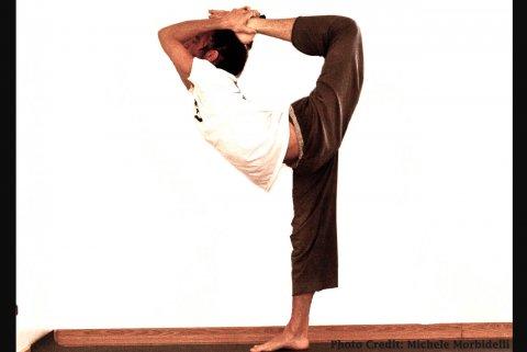 NATARAJASANA posizione yoga