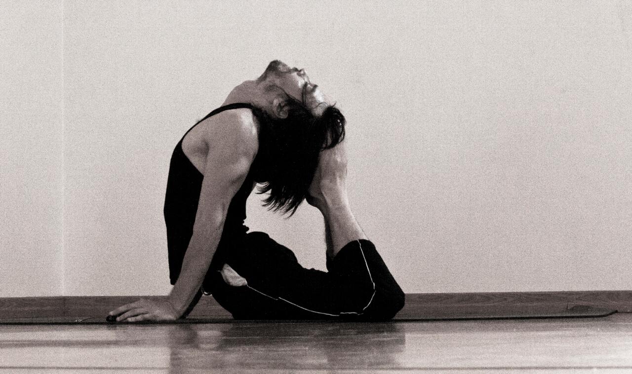 Posizione cobra yoga